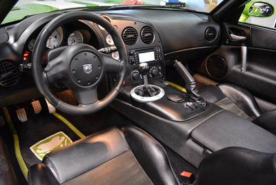 2008 Dodge Viper SRT-10 Convertible - Click to see full-size photo viewer