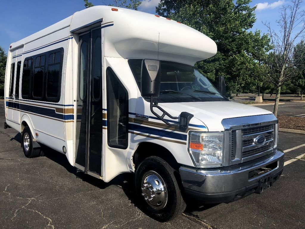 2008 Ford E450 Fiberglass Wheelchair Bus For Sale Church Adult Medical Transport Handicapped Mobility - 17772142 - 0