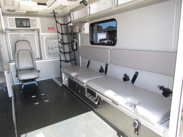 2008 Ford F650 Ambulance - 13343729 - 12