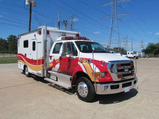 2008 Ford F650 Ambulance - 13343729 - 1