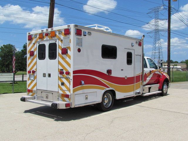 2008 Ford F650 Ambulance - 13343785 - 13