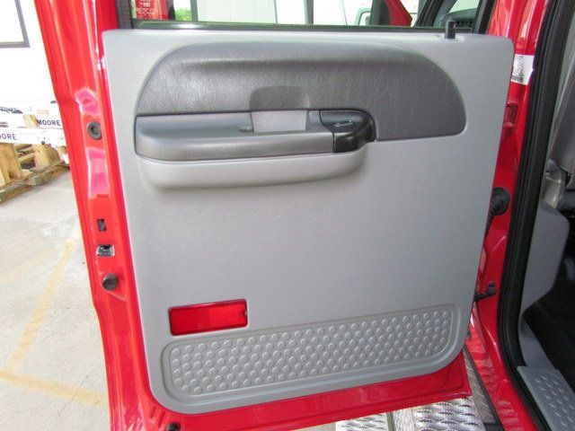 2008 Ford F650 Ambulance - 13343785 - 25