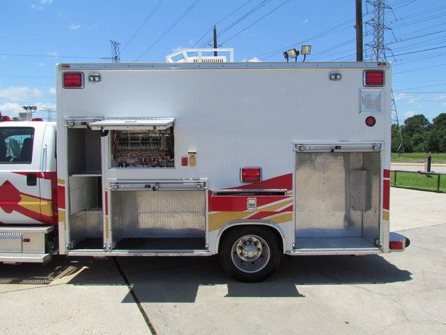2008 Ford F650 Ambulance - 13343785 - 4