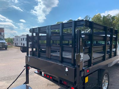 2008 Ford F-550 CREW 4X4 JUST 16k MILES STAKE LIFT GATE ONE OWNER!! CAN ADD HITCH WITH THIS STYLE GATE! - Click to see full-size photo viewer