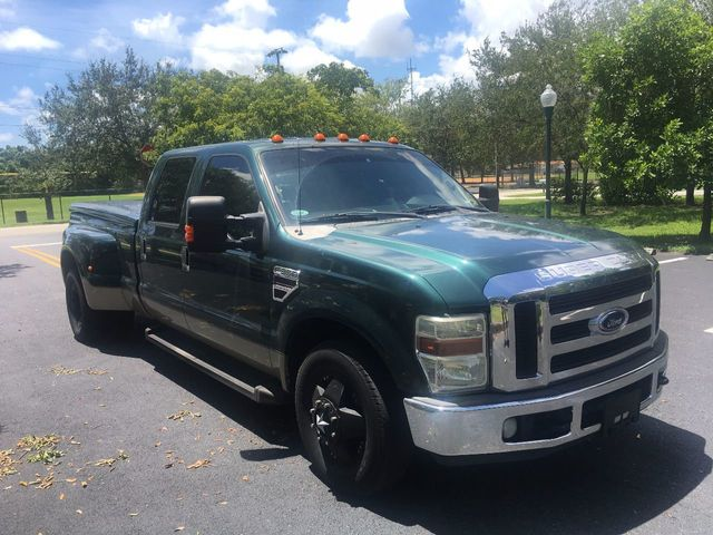 "2008 Ford Super Duty F-350 DRW 2WD Crew Cab 156"" XLT - Click to see full-size photo viewer"