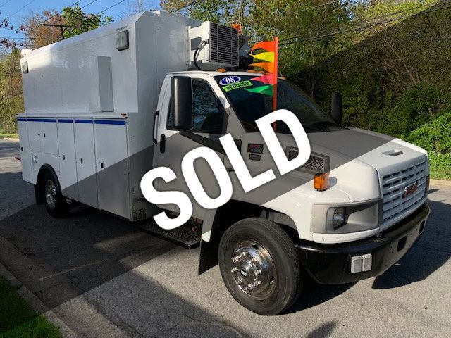 2008 GMC C5500 ENCLOSED UTILITY SERVICE TRUCK DURAMAX DIESEL LOW MILES - 17965986 - 0