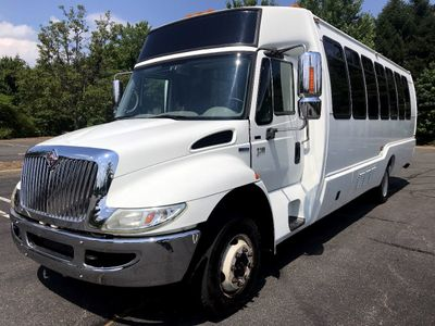 2008 International Krystal Koach 3200 w/ Rear Luggage