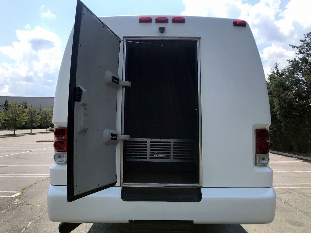 2008 International Krystal Koach 3200 w/ Rear Luggage For Senior Tour Charters Student Church Hotel Transport - 17837425 - 11
