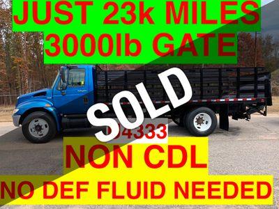 2008 International NON CDL RACK LIFT GATE JUST 23k MILES 3000LB GATE! ONE OWNER VA TRUCK!