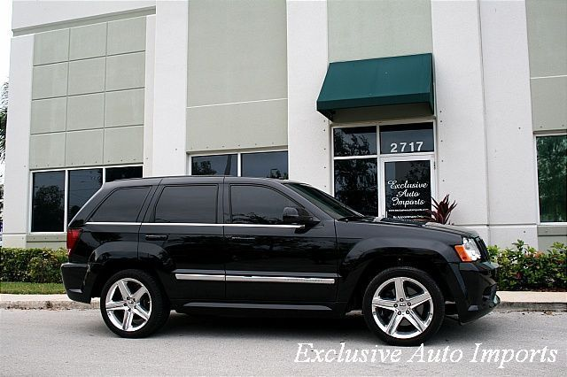 2008 Jeep Grand Cherokee SRT-8 - Click to see full-size photo viewer