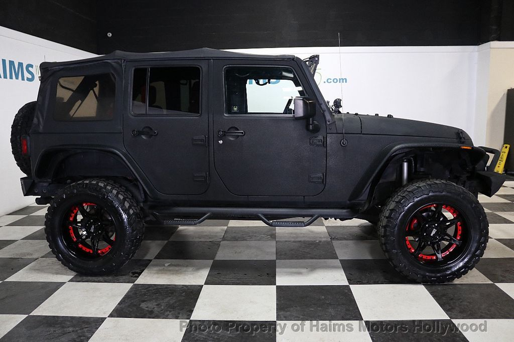 2008 Jeep Wrangler 4WD 4dr Unlimited Sahara - 18172182 - 17
