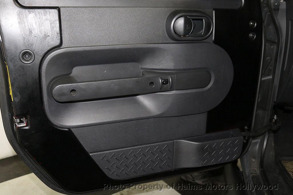 2008 Jeep Wrangler 4WD 4dr Unlimited Sahara - 18172182 - 19