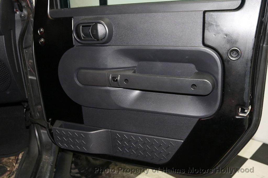 2008 Jeep Wrangler 4WD 4dr Unlimited Sahara - 18172182 - 22
