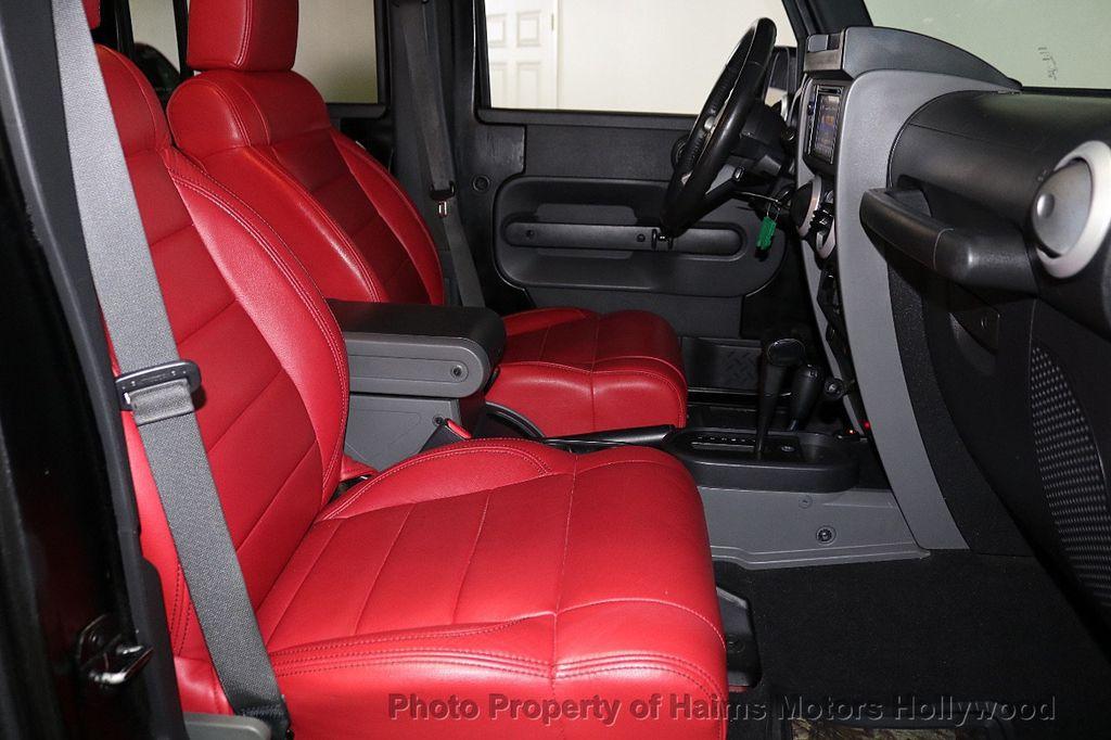 2008 Jeep Wrangler 4WD 4dr Unlimited Sahara - 18172182 - 23