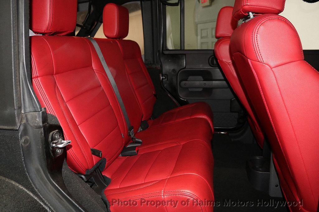 2008 Jeep Wrangler 4WD 4dr Unlimited Sahara - 18172182 - 24