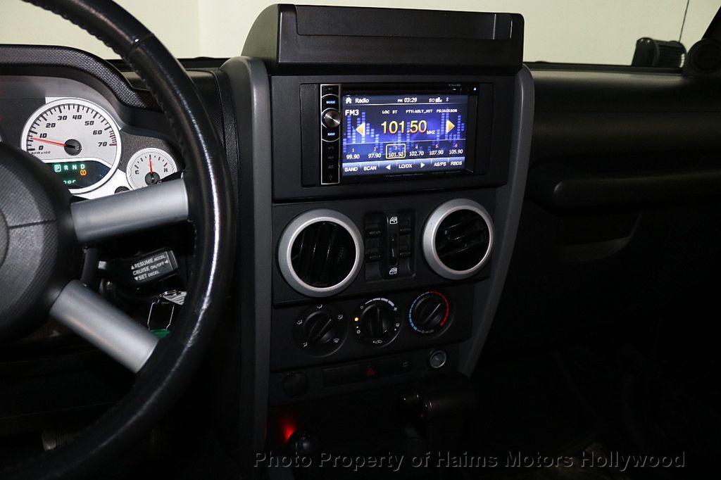 2008 Jeep Wrangler 4WD 4dr Unlimited Sahara - 18172182 - 28
