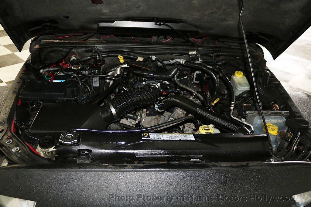 2008 Jeep Wrangler 4WD 4dr Unlimited Sahara - 18172182 - 41