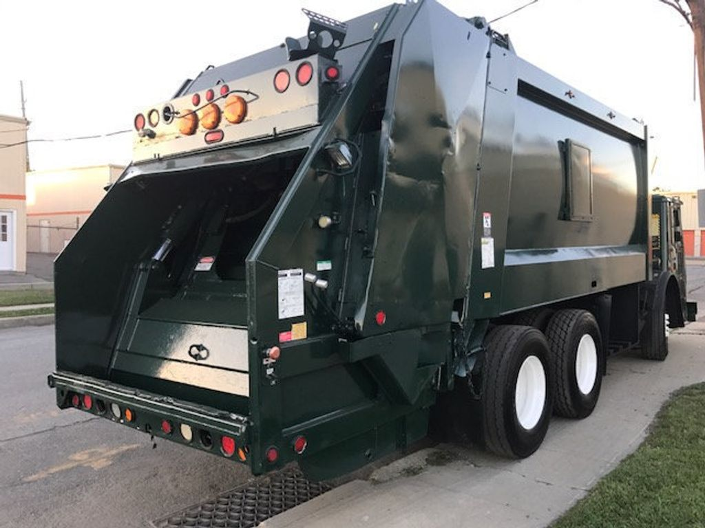 2008 Mack LE 613 REAR LOADER 25 YARD PACKER PRIVATE SANITATION  **  RECYCLE **  LETS SAVE THE WORLD - 16212874 - 2