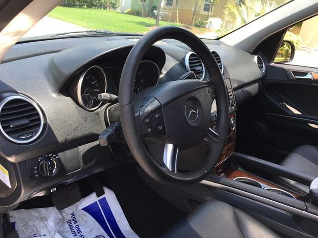2008 Mercedes-Benz M-Class ML550 4MATIC 4dr 5.5L - Click to see full-size photo viewer