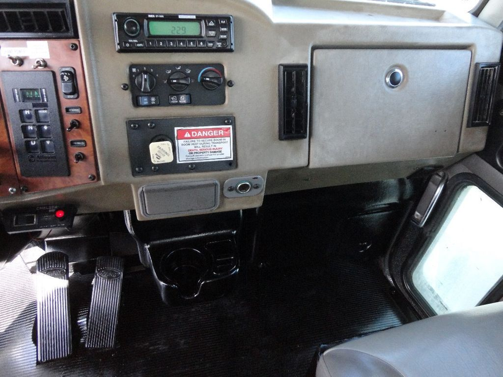 2008 Peterbilt 340 60FT MAX BOOM WITH 40K LIFT. NATIONAL 649E2 CRANE TRUCK - 17608999 - 66