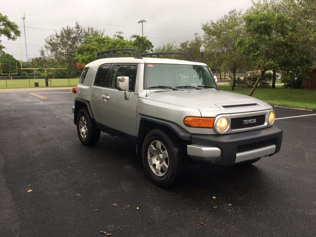 2008 Toyota FJ Cruiser RWD 4dr Automatic - Click to see full-size photo viewer