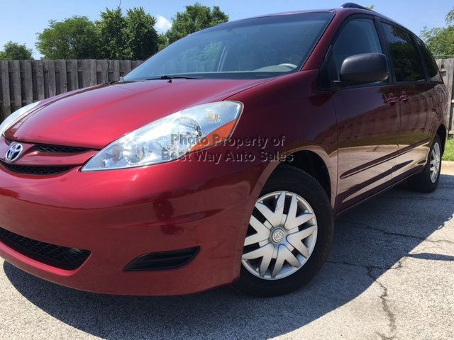 2008 Toyota Sienna LE 7-PASSENGER 3.5L V6 Privacy Glass CD Player   - 14746854 - 3