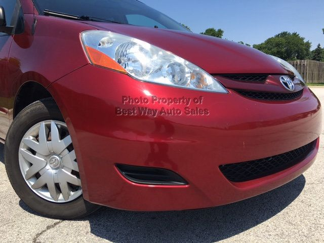 2008 Toyota Sienna LE 7-PASSENGER 3.5L V6 Privacy Glass CD Player  Savings $1,868  - Click to see full-size photo viewer