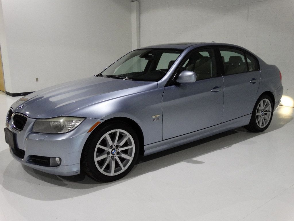 2009 BMW 3 Series 328i xDrive - 18596175 - 4