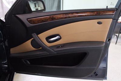 2009 BMW 5 Series 535i xDrive - Click to see full-size photo viewer