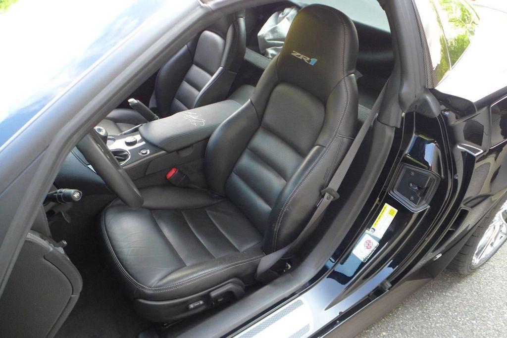 2009 Chevrolet Corvette 2dr Coupe ZR1 w/3ZR - 17910542 - 10