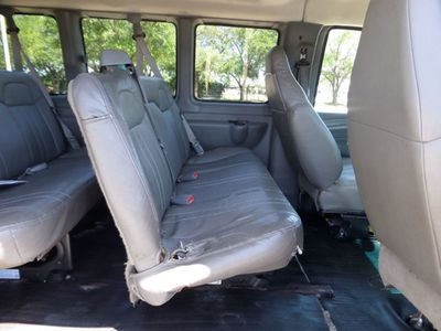 2009 Chevrolet G2500 CHEVROLET EXPRESS G2500 - Click to see full-size photo viewer