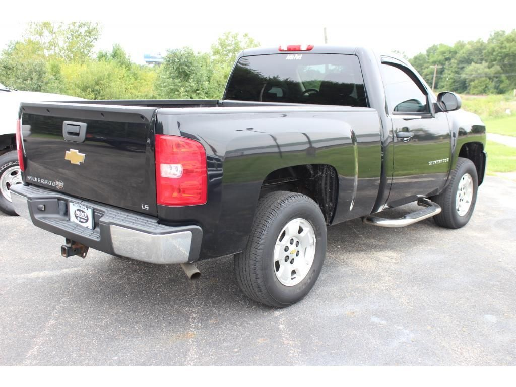 2009 Chevrolet Silverado Work Truck - 17954324 - 5