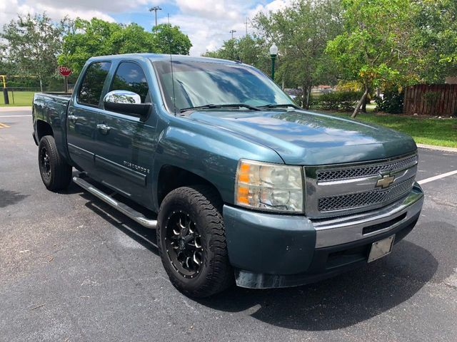 "2009 Chevrolet Silverado 1500 2WD Crew Cab 143.5"" LS - Click to see full-size photo viewer"