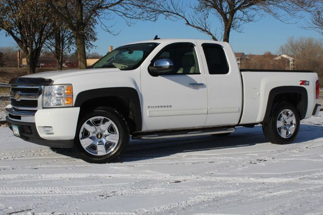 2009 Chevrolet Silverado 1500 4WD LTZ EXTENDED CAB - Click to see full-size photo viewer