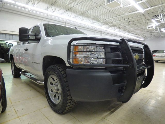 2009 Chevrolet Silverado 1500 JUST SERVICED 4 NEW TIRES - Click to see full-size photo viewer