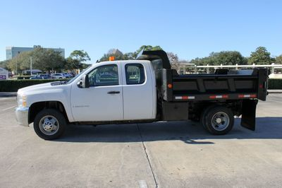 "2009 Chevrolet Silverado 3500HD 4WD Ext Cab 157.5"" SRW Work Truck - Click to see full-size photo viewer"