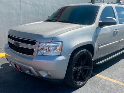 2009 Chevrolet Suburban 2WD 4dr 1500 LT w/1LT - Click to see full-size photo viewer