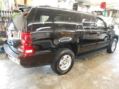 2009 Chevrolet Suburban LT - Click to see full-size photo viewer