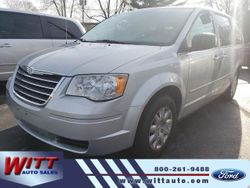 2009 Chrysler Town & Country - 2A8HR44E89R526586