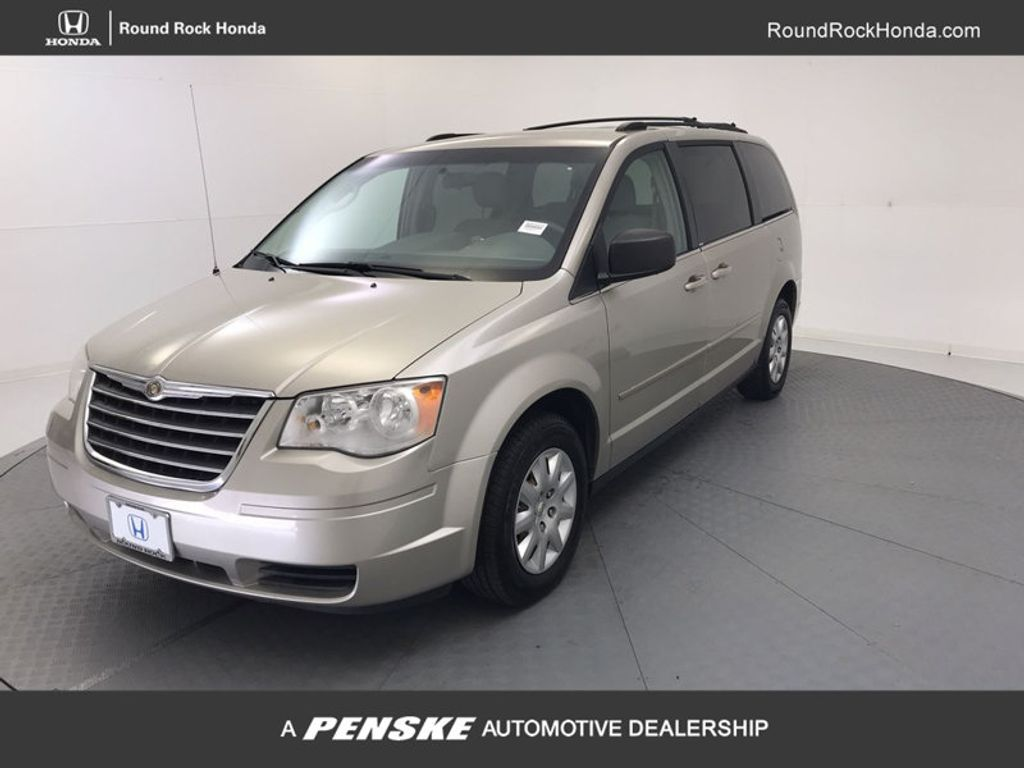2009 Chrysler Town & Country 4dr Wagon LX - 18366010 - 0