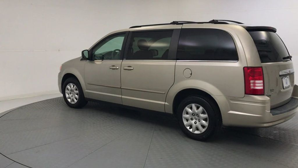 2009 Chrysler Town & Country 4dr Wagon LX - 18366010 - 5