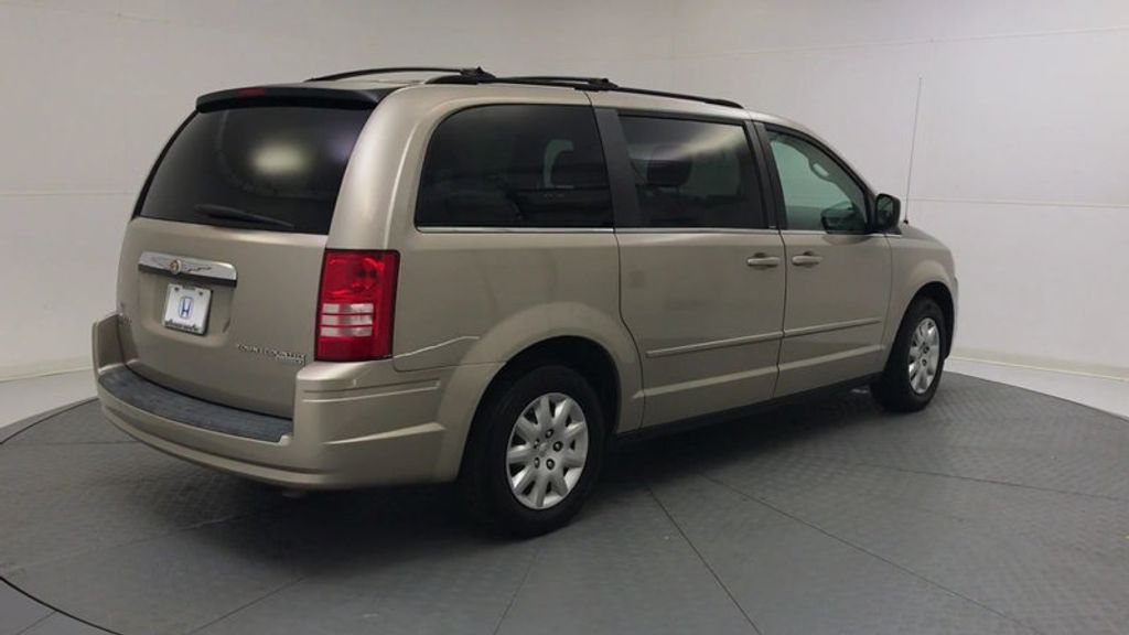 2009 Chrysler Town & Country 4dr Wagon LX - 18366010 - 7