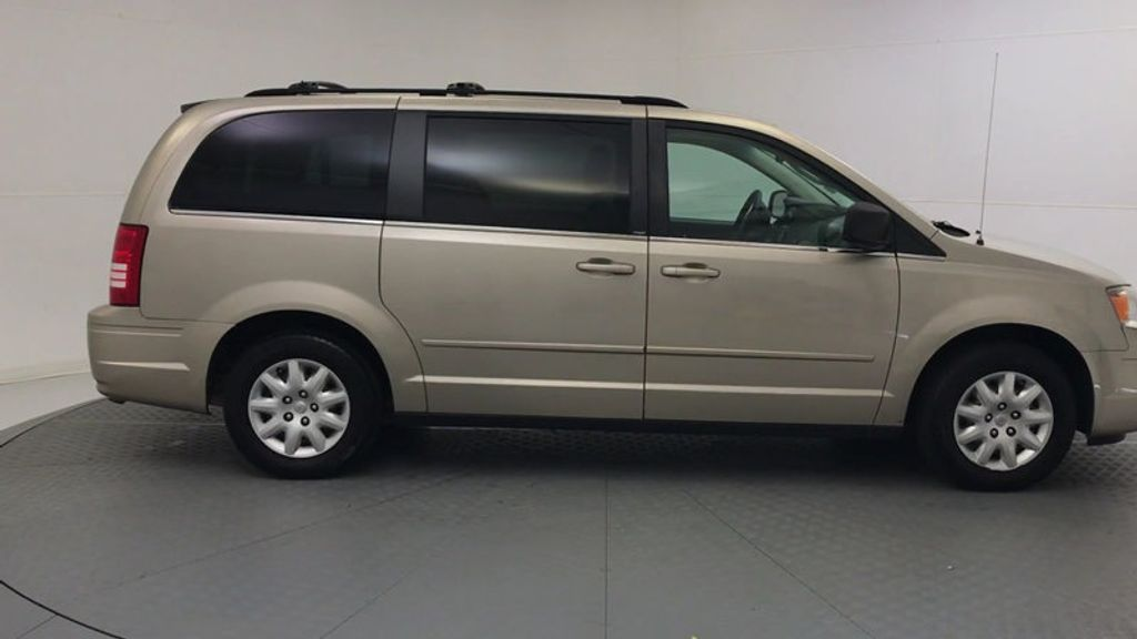 2009 Chrysler Town & Country 4dr Wagon LX - 18366010 - 8
