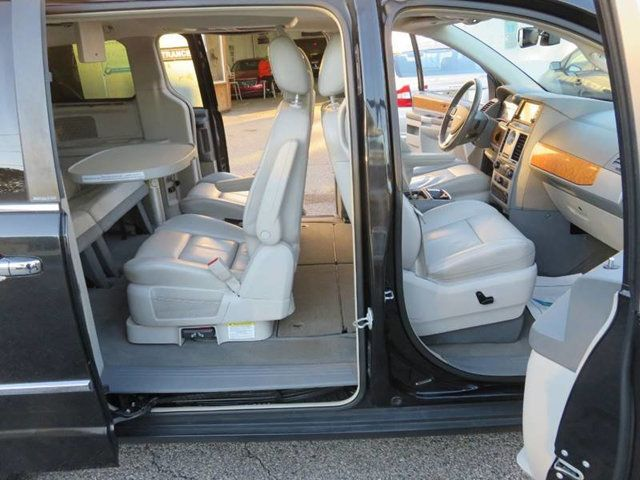 Tow N Go >> 2009 Used Chrysler Town Country Limited Swivel N Go At Contact