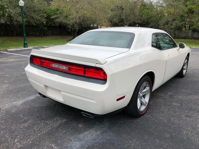 2009 Dodge Challenger 2dr Coupe R/T - Click to see full-size photo viewer