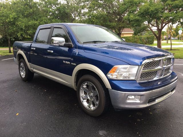 "2009 Dodge Ram 1500 2WD Crew Cab 140.5"" Laramie - Click to see full-size photo viewer"