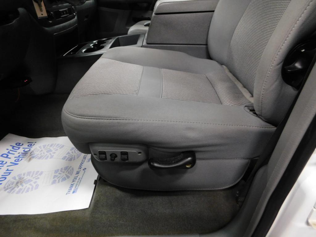 2009 Dodge Ram Pickup SLT - 17940173 - 16
