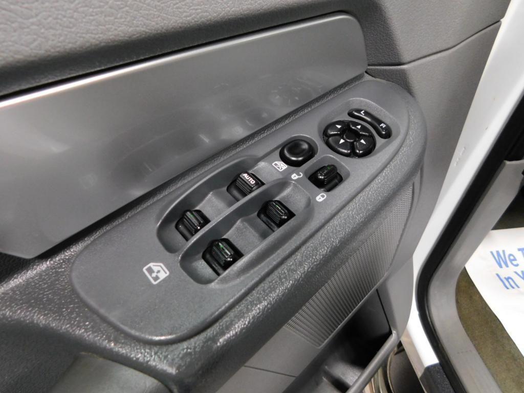 2009 Dodge Ram Pickup SLT - 17940173 - 25