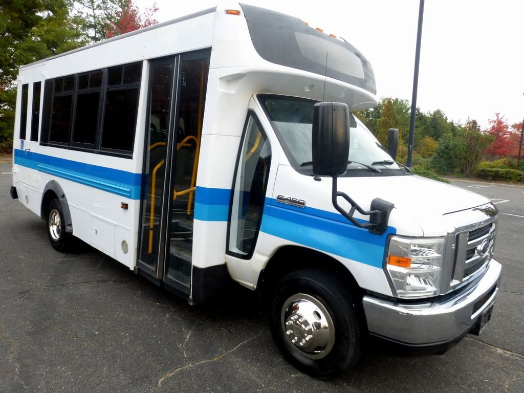 2009 Ford E450 Girardin Non-CDL Wheelchair Shuttle Bus For Senior Tour Charters Student Church Hotel Transport - 18220363 - 0