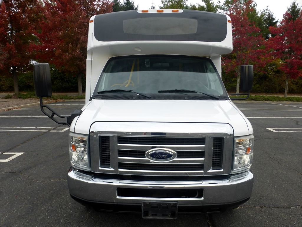 2009 Ford E450 Girardin Non-CDL Wheelchair Shuttle Bus For Senior Tour Charters Student Church Hotel Transport - 18220363 - 1